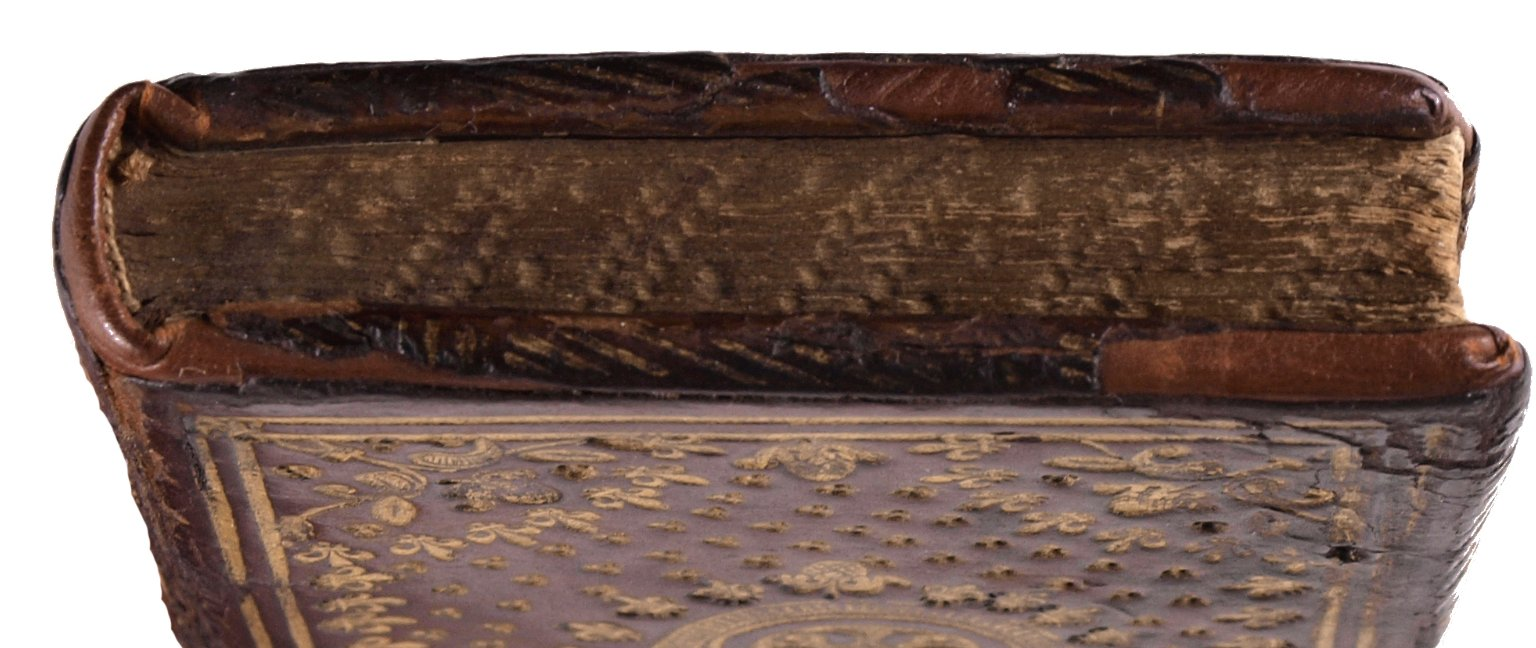 Top edge, STC 1748.