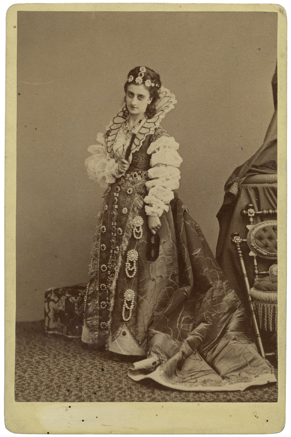 [Mrs. S. Siddons as Beatrice in Shakespeare's Much ado about nothing] [graphic] / Gurney, Fifth Avenue, Cor. 16th St., N.Y.
