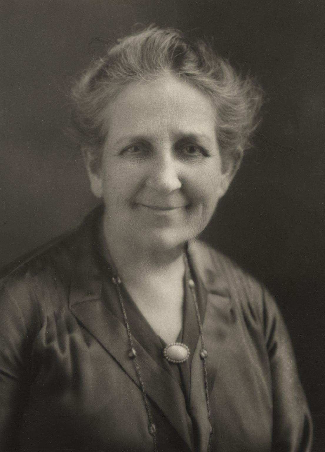 Mrs. Folger (photo)