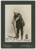 "Rowland Buckstone as the gravedigger in ""Hamlet"", 1901 [graphic] / Morrison."