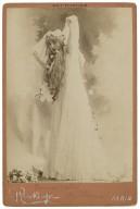 Emma Calvé [as] Ophelia [graphic] / Reutlinger.