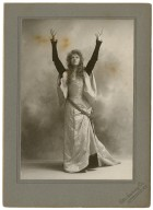 [Elsie Leslie in the role of Katherine in Shakespeare's Taming of the Shrew] [graphic].