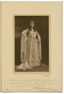 [Virginia Madigan as Juliet, in Shakespeare's Romeo and Juliet] [graphic] / Pach Bros.