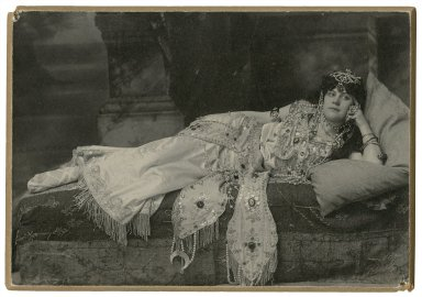 """Florence Stone as """"Cleopatra"""" [in Shakespeare's Antony and Cleopatra] [graphic] / Alisky."""