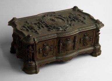 Casket, carved in an Elizabethan style [realia]