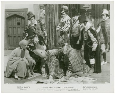 Photograph from Laurence Olivier's movie of Henry V: Convincing Henry to invade France.
