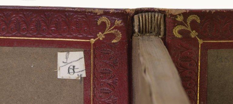 Headband detail), V.a. 512.