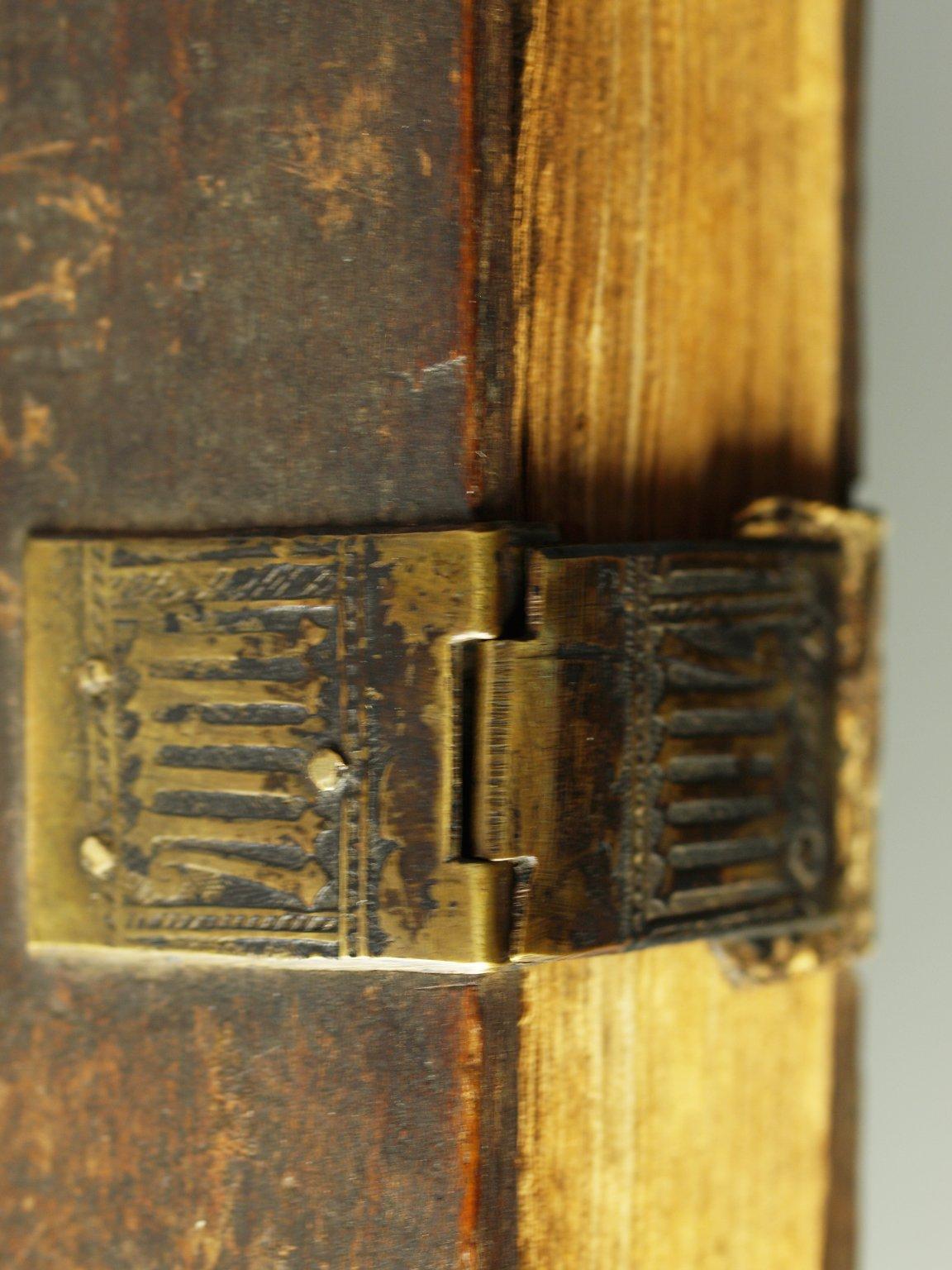 Clasp (detail), INC N124.