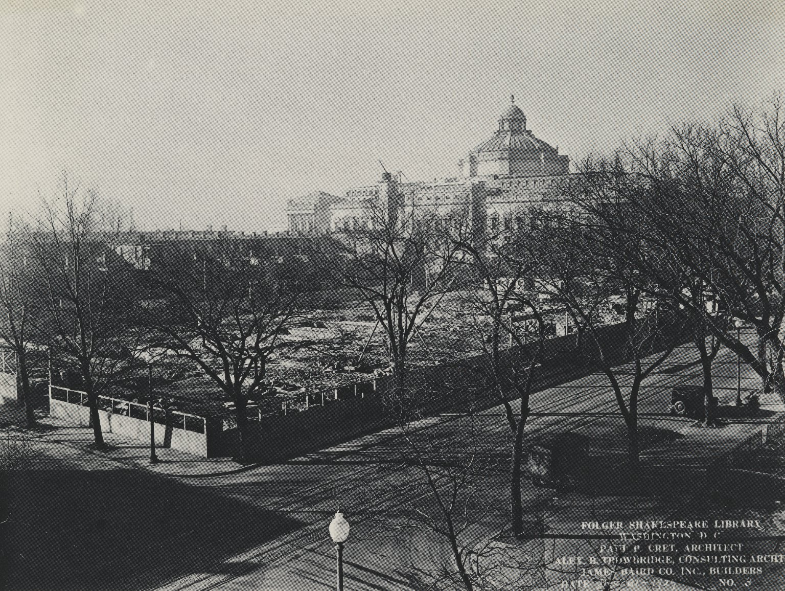 FSL vacant lot with the Library of Congress in background (photo)