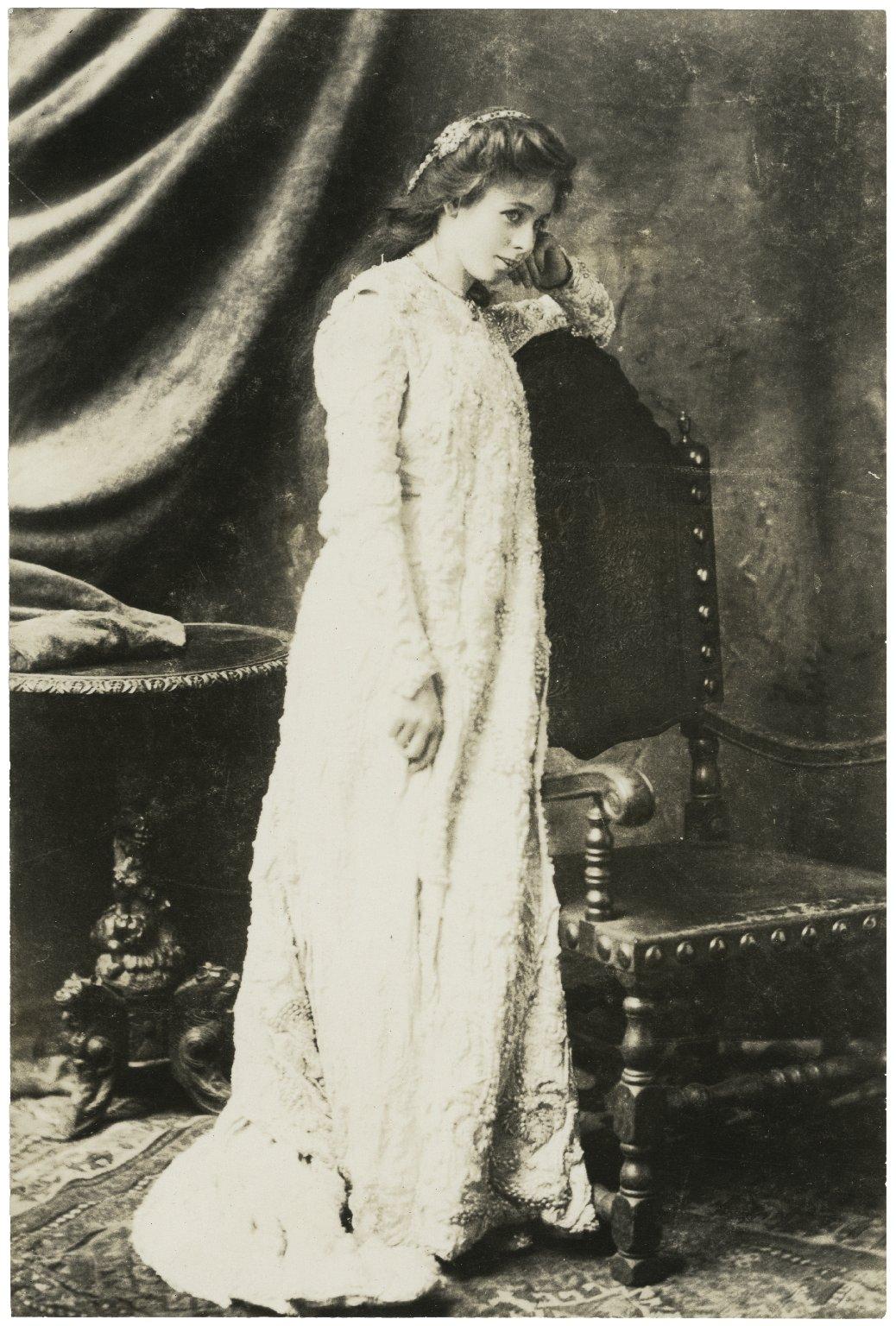 Maude Adams as Juliet, 1899 [graphic].