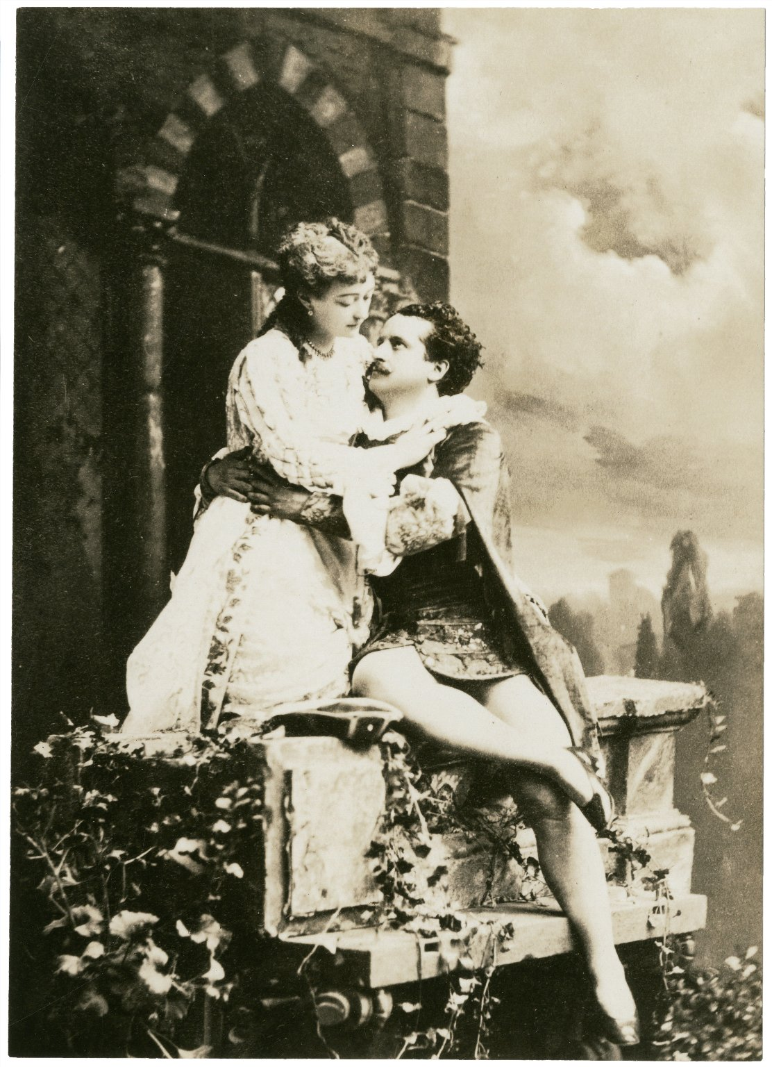 Maud Granger and Lawrence Atkins as Romeo and Juliet [graphic].