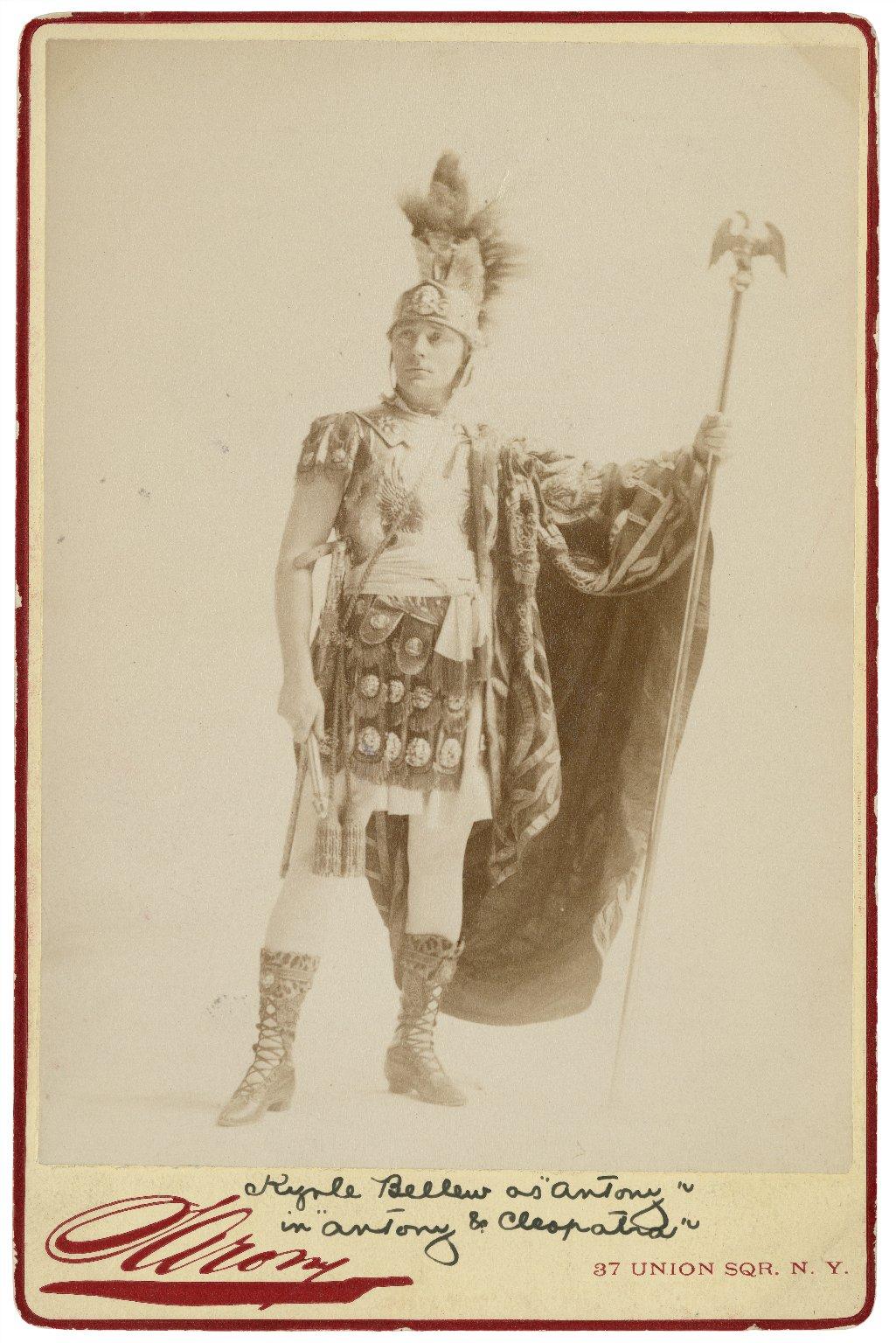 Kyrle Bellew as Antony in Antony and Cleopatra [graphic] / Sarony.