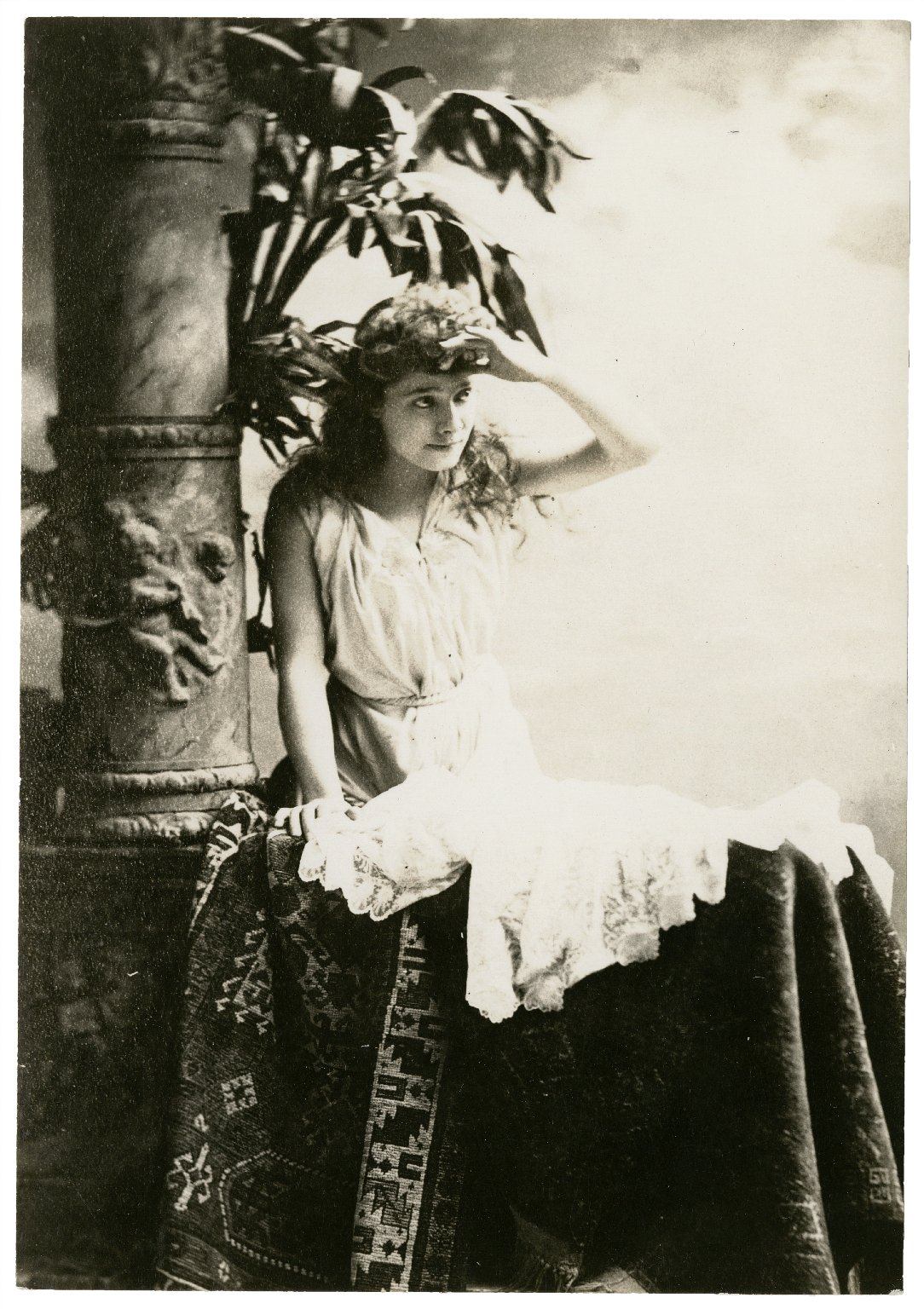 Julia Marlowe as Juliet [in Shakespeare's Romeo and Juliet] 1888 [graphic].