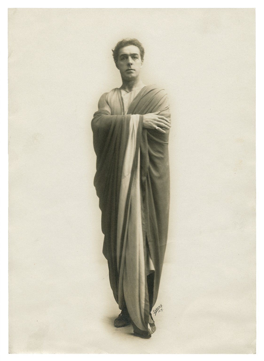 Faversham as Mark [Antony in Shakespeare's Julius Caesar] [graphic] / Sarony.