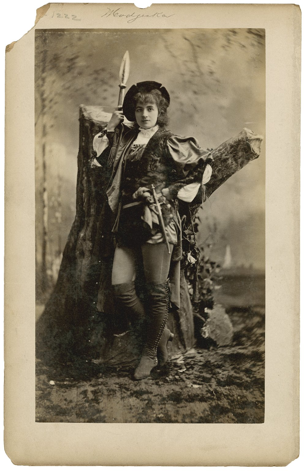 Modjeska [possibly as Rosalind in Shakespeare's As you like it] [graphic] / Mora.