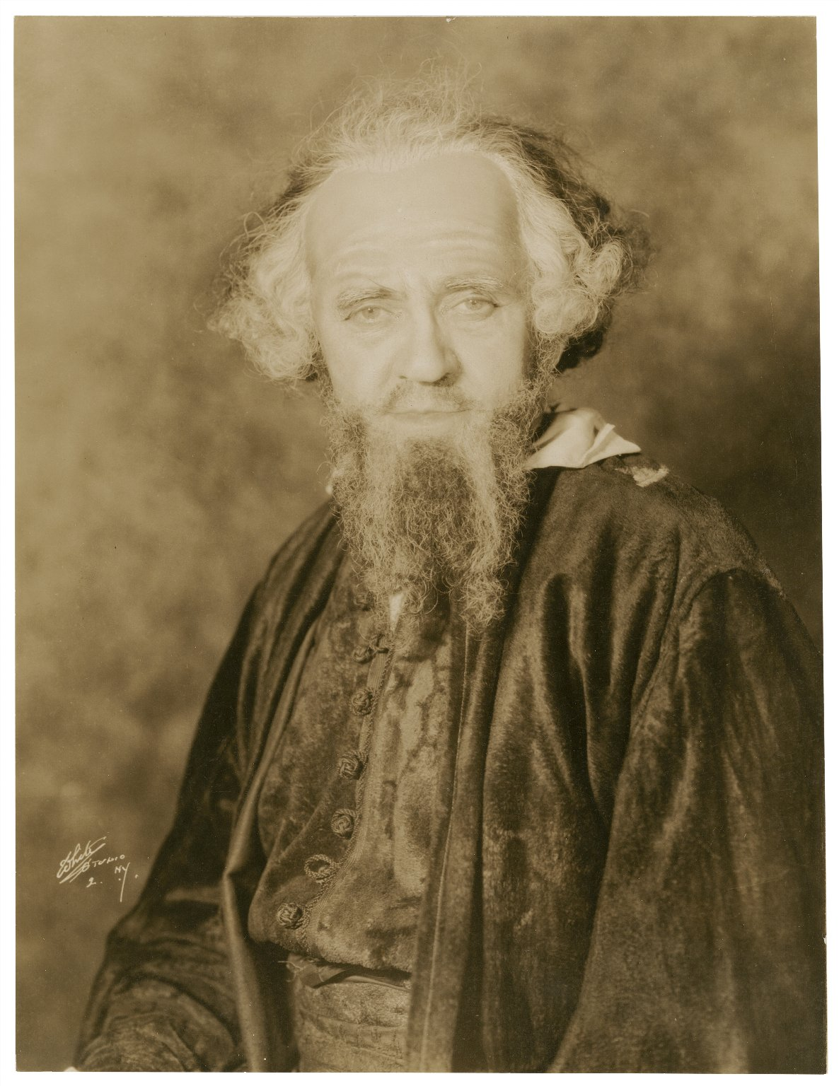 David Warfield [as] Shylock [in Shakespeare Merchant of Venice] [graphic].