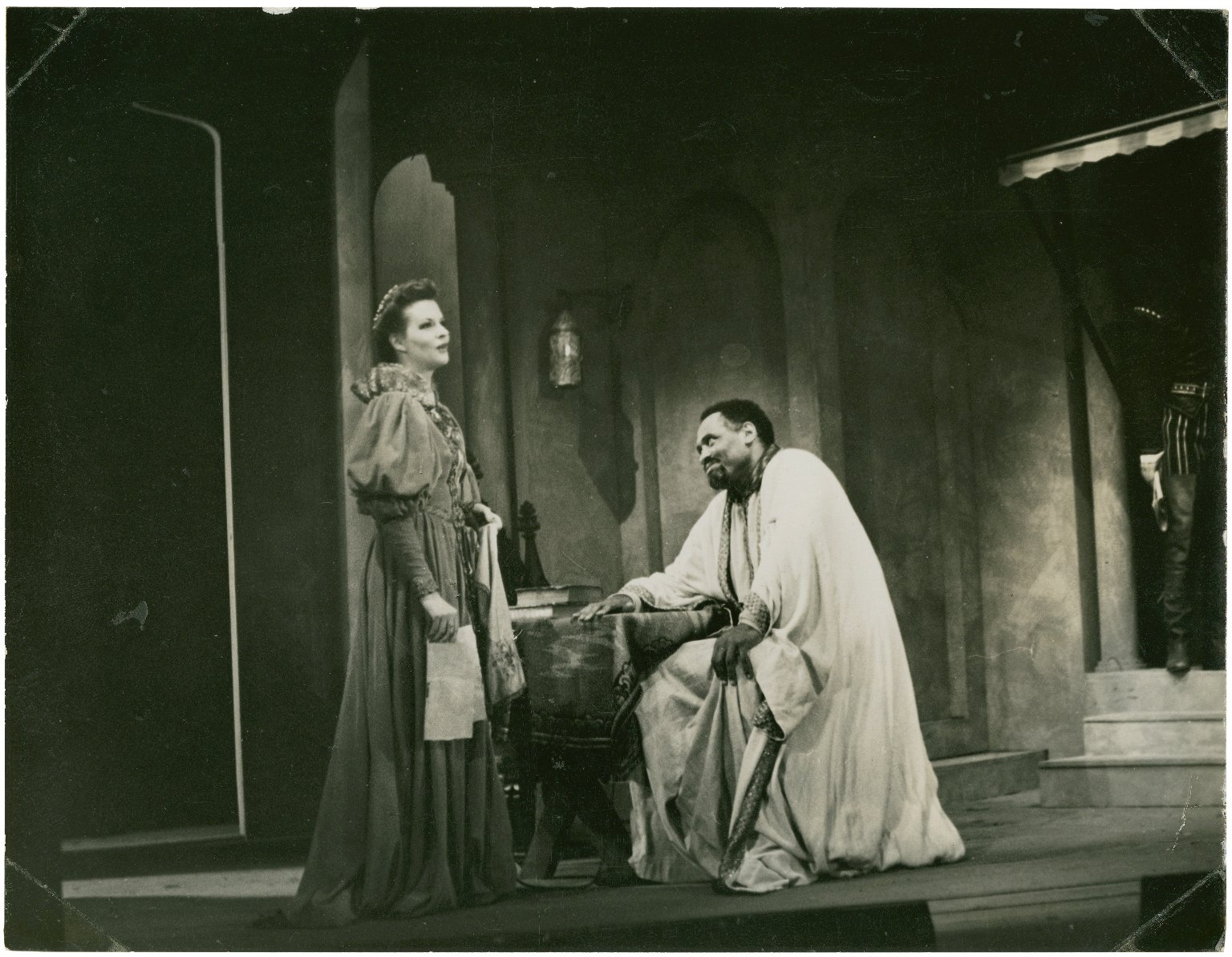 [Paul Robeson in Othello, Act I Scene 4]