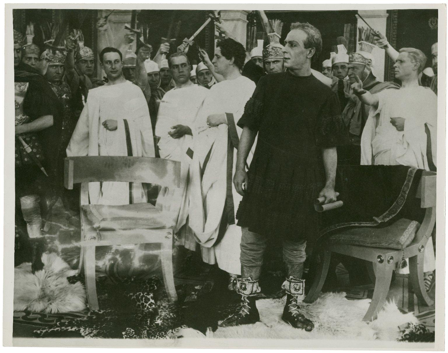 A scene from Julius Caesar directed by Enrico Guazzoni.